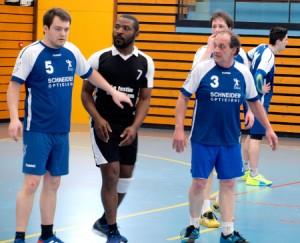 """Jules Knittel et Alain Leibel de l""""équipe 2 du HBC Wissembourg défient Hoerdt."""